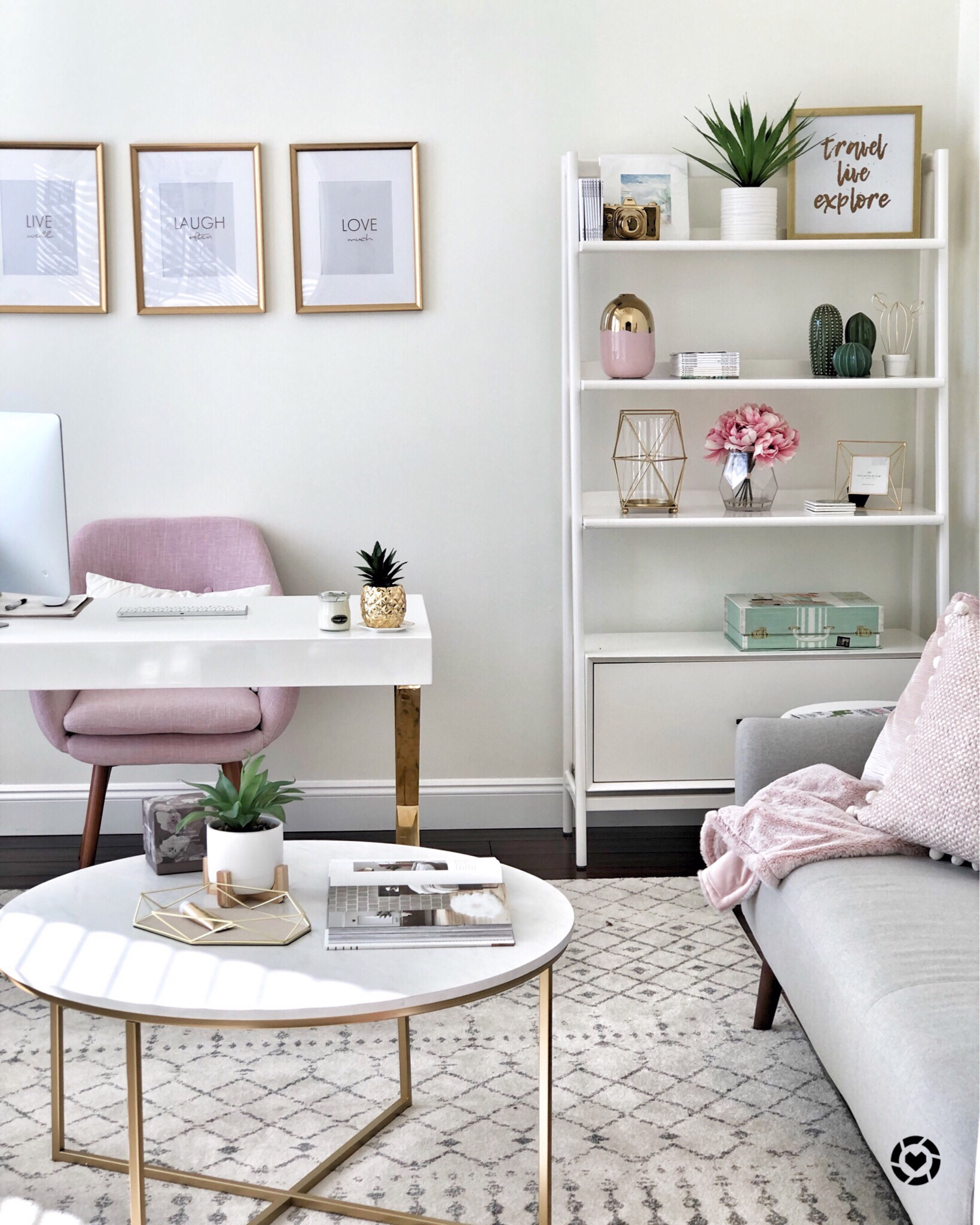 How to create a chic and cozy home office space! • This Mama ...